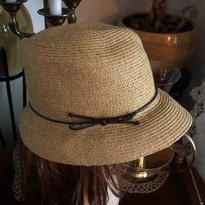 Accessories - Tan Straw Hat